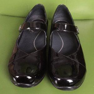 Dansko Black Patent Leather USA 8, Euro 38